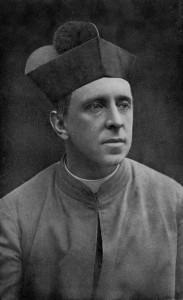 R.H. Benson en octubre de 1912, con 40 años